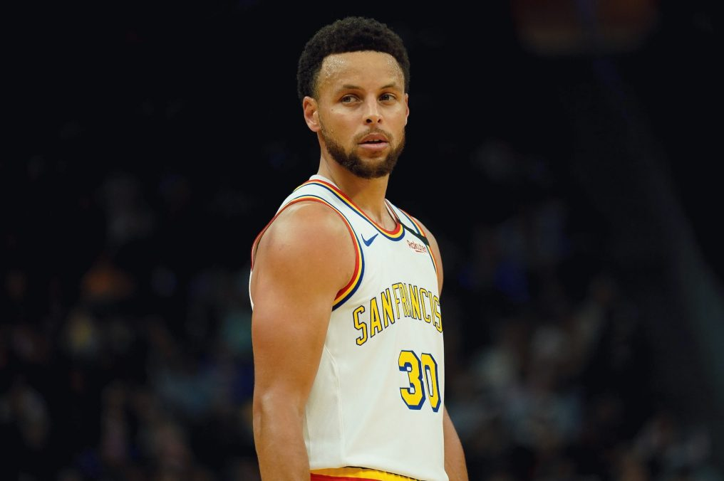 Steph Curry Now 2nd All-Time in 3-Pointers
